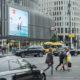 Der KuDamm LED-Videoscreen der LIMES Vertriebsgesellschaft zeigt JBL im September 2017