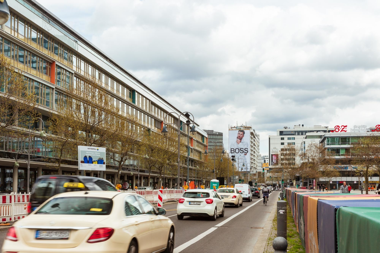 Riesenposterwerbung am Breitscheidplatz